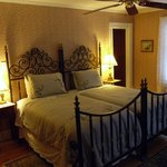 Rosewood room, has two twin beds