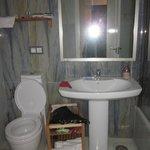 badkamer, fohn aanwezig, en best ruim