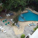 Вид на бассейн.
