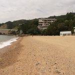 Пляж Royal View (вечно пустынный и со всеми бесплатными удобствами круглые сут