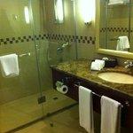 bathroom deluxe suite