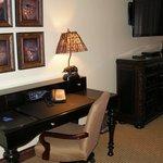 desk in suite