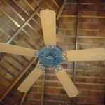 high-ceiling fan and good AC too
