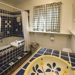 Guests in The Cottage enjoy a double jacuzzi tub.
