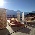 Frühstück auf der Terasse:)!