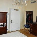 Grosses Zimmer mit grossem BAd