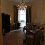 diplomatic suite main room
