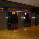 elevadores en el 7mo piso, donde está la piscina