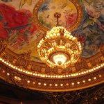 Lámpara de la sala del teatro de la Opera de Paris