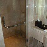 Bad und Dusche (war immer sauber!!)