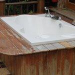 Villa Nr. 310 Außenwanne: Holz renovierungsbedürftig