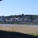 vue du chateau depuis l'autre rive de La Loire