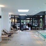 Espace piscine et restaurant