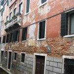 Rimpeto Mocenigo Annexe has the green shutters