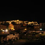 L'Acropolis veduta da pochi metri alle spalle del Hotel
