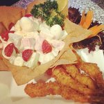 Fruit salad with deep fried prawns