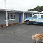 Parking in frnt of motel