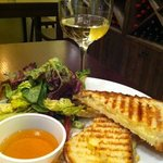 Grilled cheese with honey, mixed greens and Chardonnay