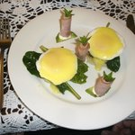 Eggs Hollandaise Breakfast