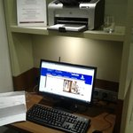 Free wi-fi work station