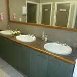Riverside-spotless bathroom