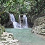 Прекрасный вид на водопад