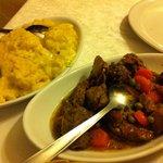 Bocconcini di carne con polenta e polenta