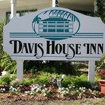 Davis House Inn