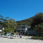 heavin Nevis' Oualie beach