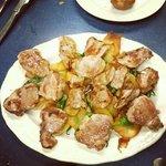 El solomillo, con buenas patatas y pimientos del Padrón!