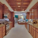 Unit D7 - 3 Bedroom Suite - Fully-Equipped Kitchen