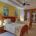 Unit D7 - 3 Bedroom Suite - Two Single Beds in Guest Bedroom