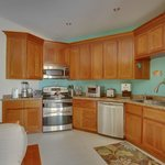 Unit D8 - 1 Bedroom Suite - Fully-Equipped Kitchen