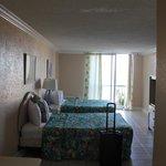 Room 409 - Twin