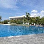 """la plus belle """"chose"""" de cet hôtel est la piscine."""