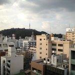 部屋からの眺望!遠目に松山城が!