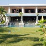 Empfangsgebäude und Lounge