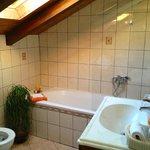 Bright & airy bathroom