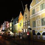 Casas tipicas holandesas de noche