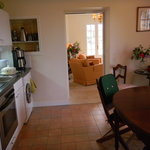La cuisine commune aux trois chambres du rez de chaussée