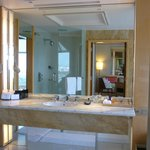 The wash basin remains spacious for a deluxe room