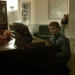 Ambiance in the Inn~Piano Player