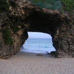 砂山ビーチ(洞穴)