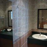 ensuite bathroom in superior room