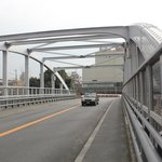 Walking Kyoto Station/Kyoto Tower to Hotel Keihan,  using this bridge over the