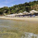 panorama della spiaggia e parte del villaggio Aeneas'