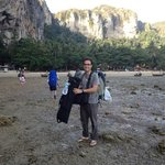 arriving on Tonsai Beach at low tide (via longtail)