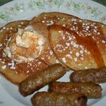 Apple & cinnamon pancakes with turkey sausage