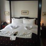 Room 4-with the most comfortable four poster bed