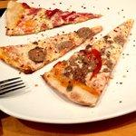 Slices Pizza and Pasta Foto